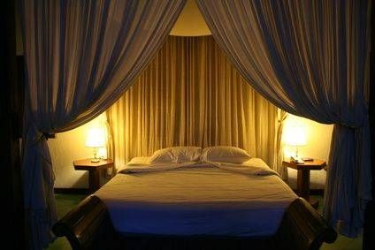 Curtains For Canopy Beds hanging curtain bed ~ decorate the house with beautiful curtains