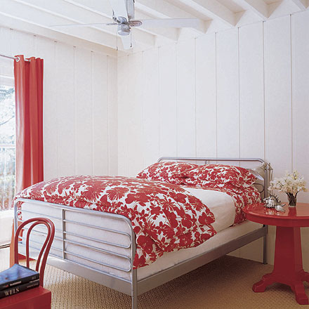 red and white bedroom – interior designing ideas