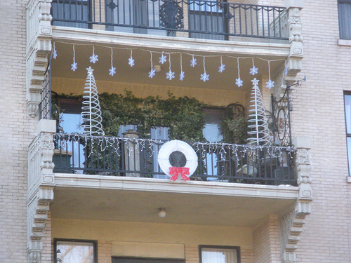 christmas decoration ideas for balcony interior designing apartment - Apartment Balcony Christmas Decorating Ideas