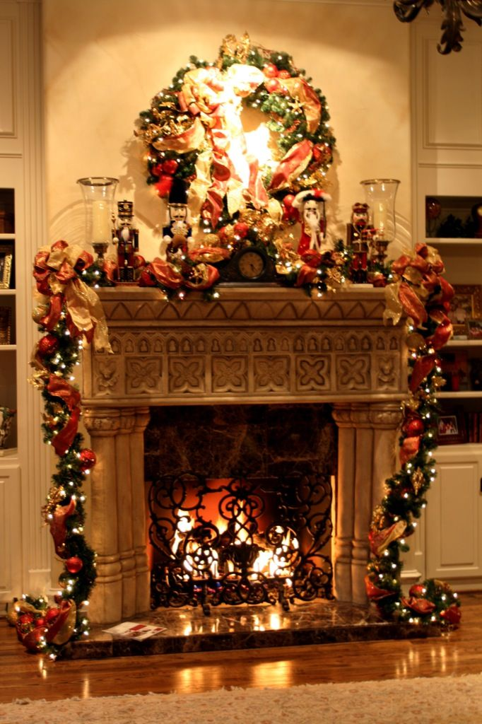 Christmas fireplace decoration interior designing ideas for How to decorate a fireplace for christmas