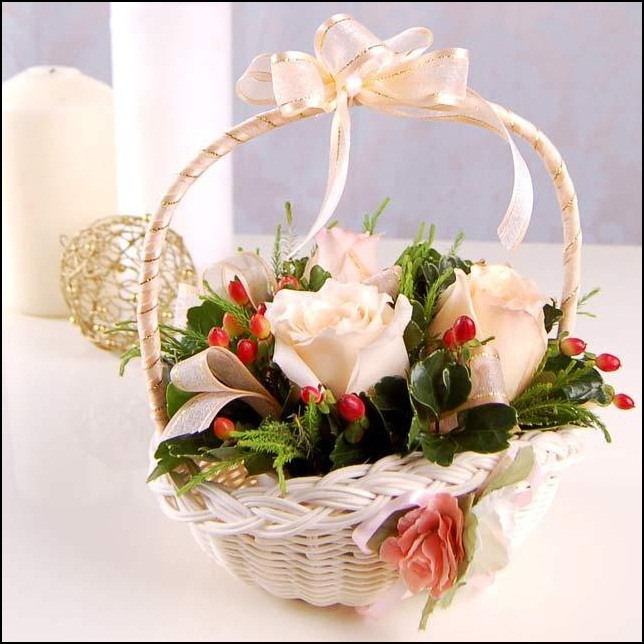 Flower basket decoration for new year party interior New flower decoration