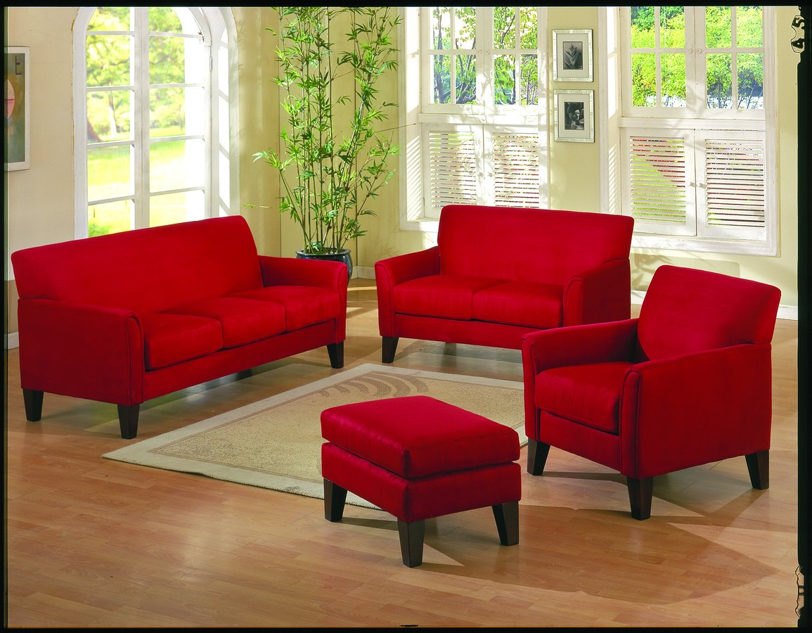 How to decorate your living room with a red sofa for Living room ideas red