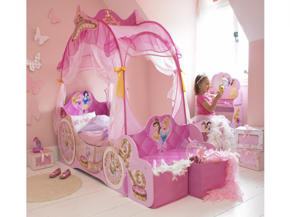 Disney canopy beds interior designing ideas for Princess bedroom