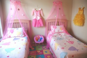 Disney-Princess-Themed-Bedroom-Look
