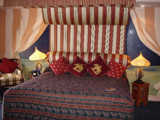 How To D Cor Arabian Themed Bedroom Interior Designing Ideas