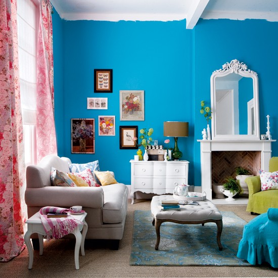 How to use bright colors to decorate the home interior for Bright coloured living room ideas