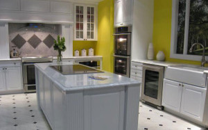 yellow-walled-kitchen