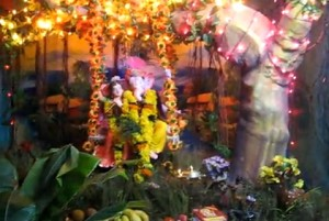 Ganesh_Chaturthi_Decoration_2010_Krishna_with_Radha_Theme_from_Belgaum_City