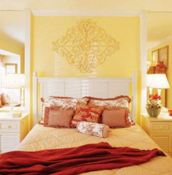 yellow red bedroom interior design decoration color scheme 551x560