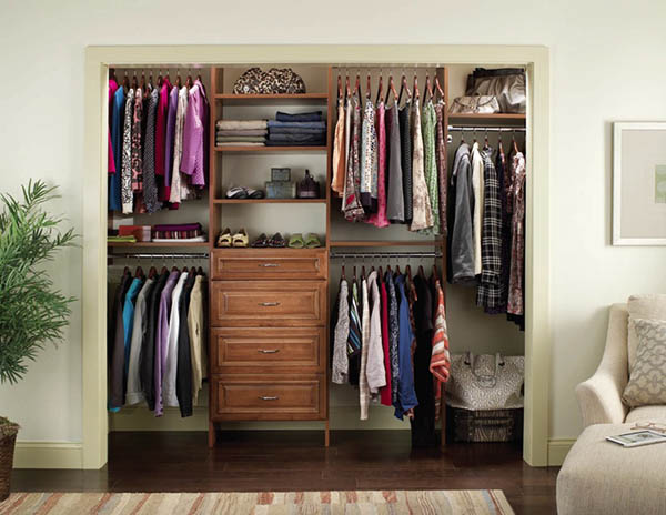 how to organize the closet of a bedroom interior