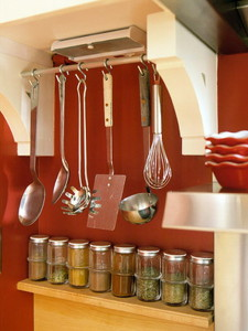 Kitchen-Closet-Maid-Organizer-Rail-System