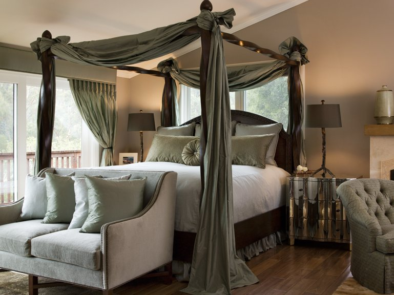 cool-canopy-beds-8