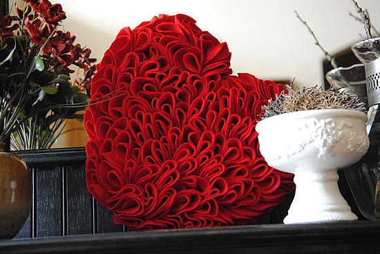de9fa75cc63dc525_ruffled_felt_heart.preview