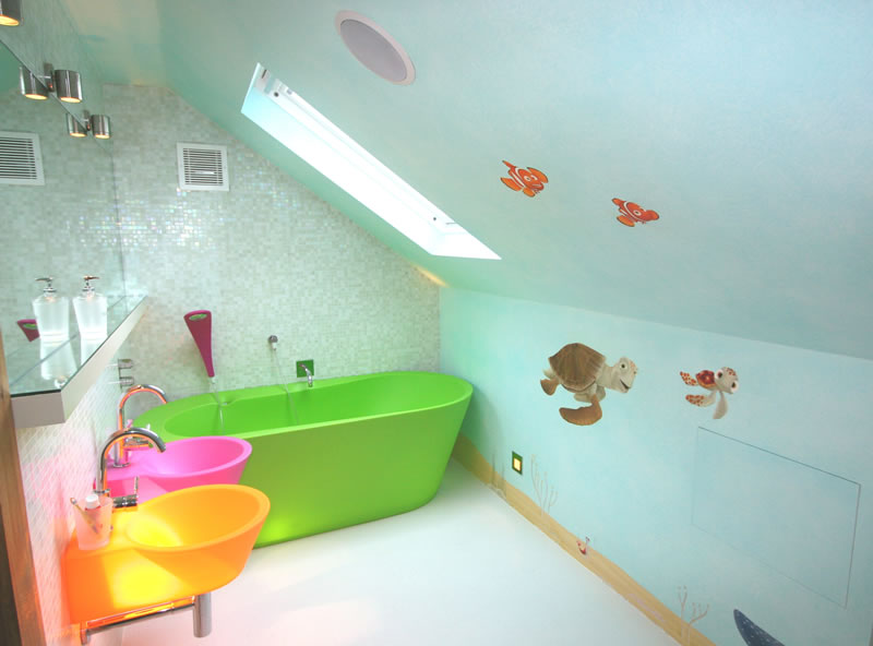 Small-Kids-Bathroom-Design