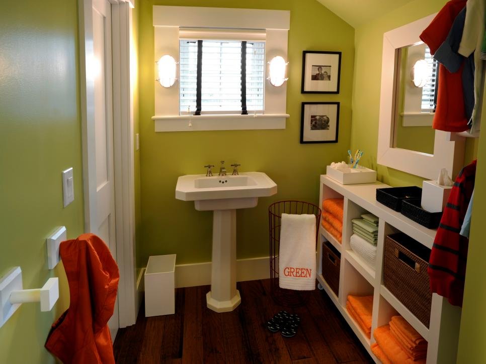 GH2010-162_07-kids-bathroom-sink-6798_s4x3.jpg.rend.hgtvcom.966.725