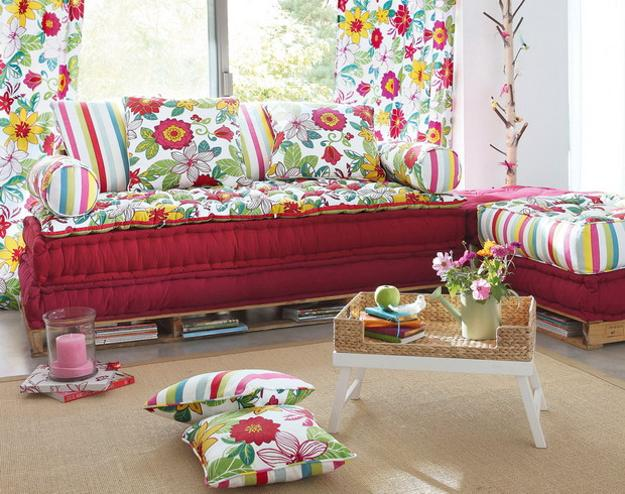 Sofa-Decorations-For-Summer