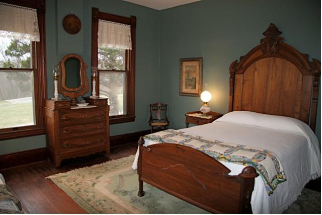 Victorian Themed Bedroom     Interior Designing Ideas