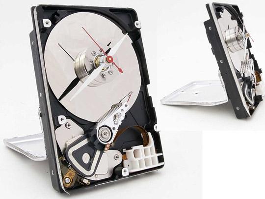 Elegant Hard Drive Clock