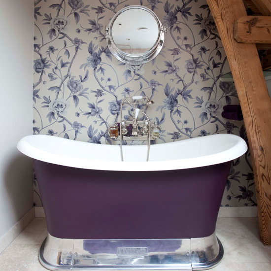 6-best-10-bathroom-wallpapers-purple