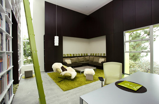 Black for Spring Interiors (1)