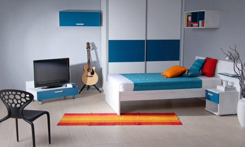 Create a Bigger Bedroom (3)