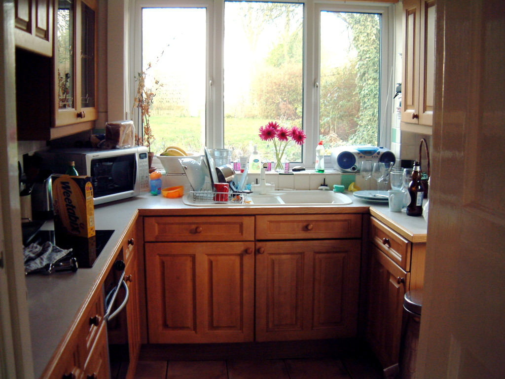 Small Kitchen Space Saver Tips (4)