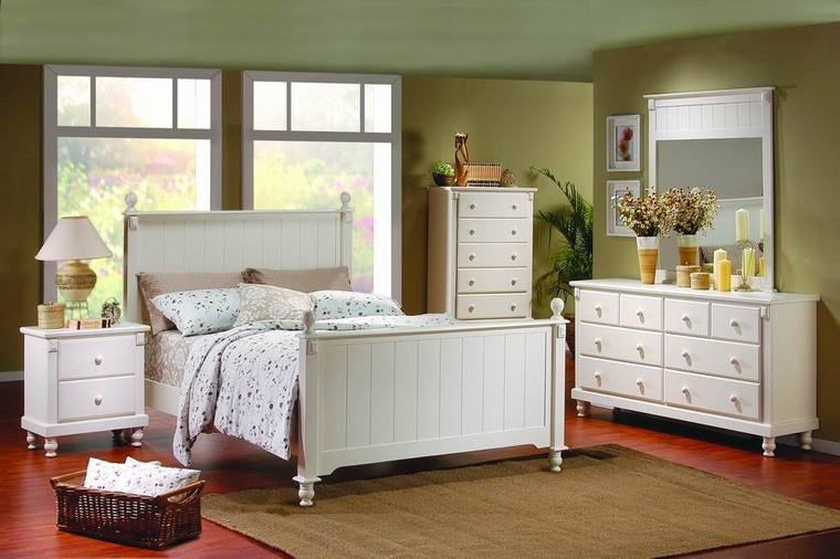 White Bedroom furniture (2)