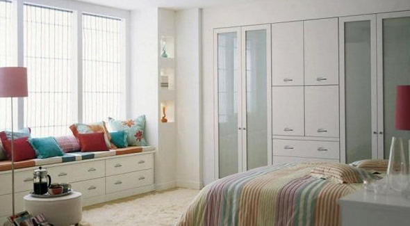 White Bedroom furniture (5)