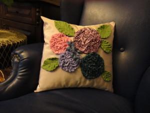 my_handmade_pillow_by_hydrangeas-d39ucds