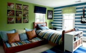 Energizing-and-Cozy-Love-of-Stripes-Themed-Modern-Boys-Bedroom-with-Pleasing-Pattern (1)