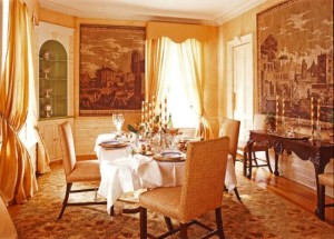 classic-dining-room-interior-decor-550x395