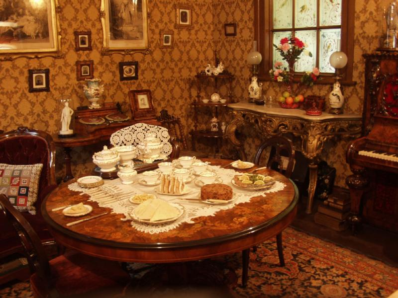 How To Do Makeover Of Victorian Room Interior