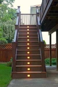 Low-Voltage-Outdoor-Staircase-Lights