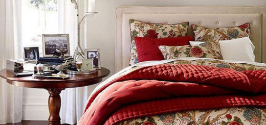bedroom-amazing-classic-bedding-set-having-floral-pattern-and-red-theme-of-the-blanket-beautiful-bedroom-designed-for-inspiring-modern-bedding-ideas
