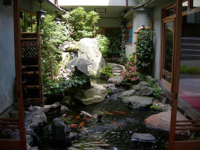 13japanese-courtyard