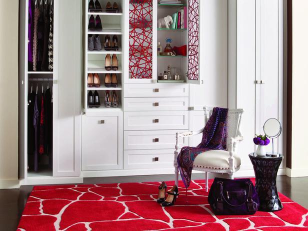 CI-California-Closets_red-white-reach-in_s4x3_lg