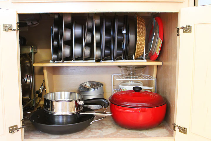 kitchen cabinet pots and pans organizer how to decorate the kitchen in a functional way 9127