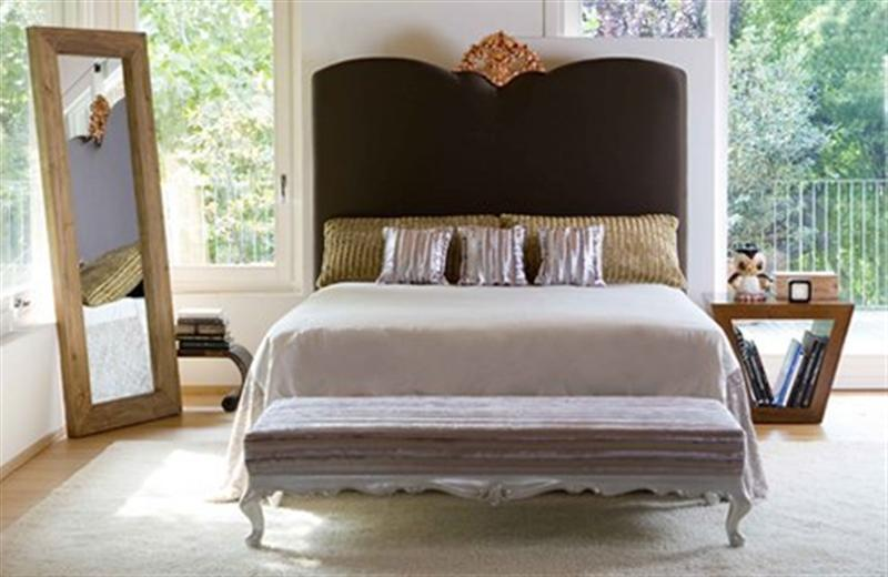 Hotel-Bedroom-Design-Using-Bed-As-Focal-Point