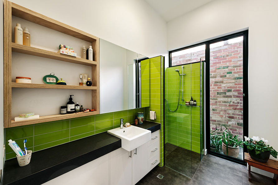 21_9-green-sheep-collective-sustainable-architect-melbourne-plywood-thermal-mass-functional-beautiful-designer-melbourne-light-bathroom-cross-ventilation