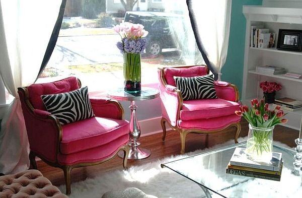 traditional-living-room-with-pink-chairs