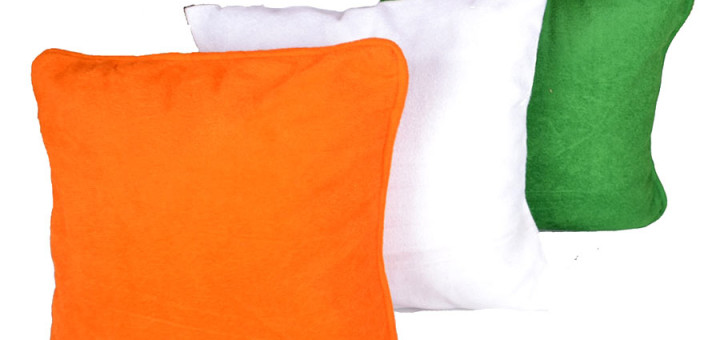 Tri-Color_Independence_Day_Cushion_Cover-Tri-Color_900X900_01_0