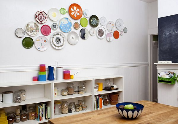 lisa-congdon-kitchen-plate-wall-dwell