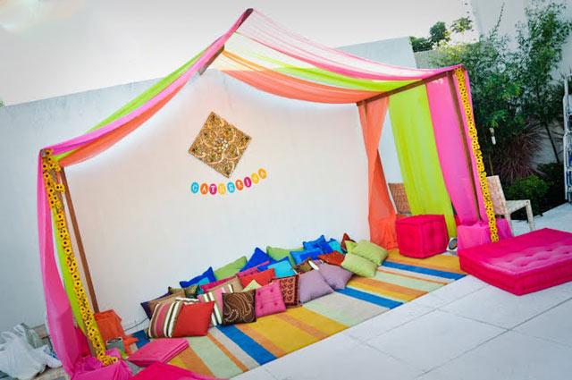 outdoor-party-idea-with-sari