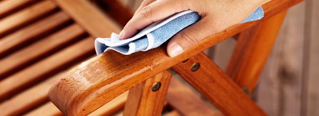 Furniture-cleaner