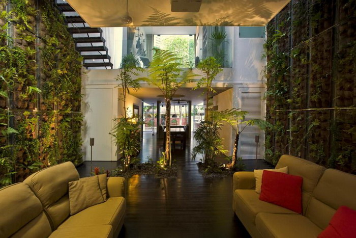 Amazing Green Forest Theme In Modern Home Entrance