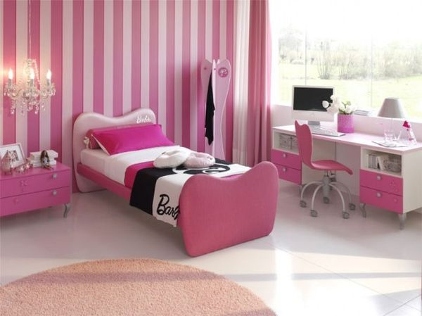 Cute-and-cozy-girls-bedroom-idea-in-pink