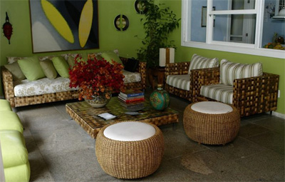 Home-decor-in-shades-of-green-Modern-and-trendy-decorating-ideas-Picture