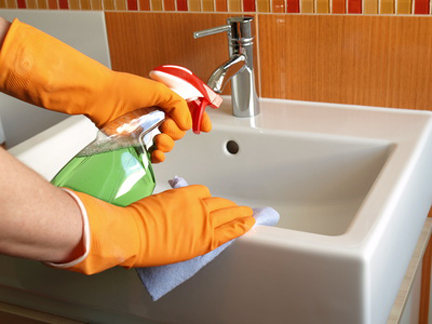 cleaning-tips-pic-3-using-essential-oilsjuly2013
