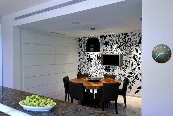 modern-dining-room-wallpaper-ideas-black-white-wallpaper-floral-pattern-black-dining-chairs