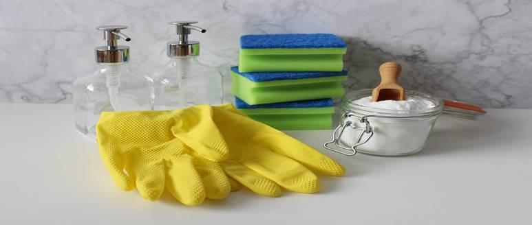 bathroom cleaning stuff